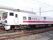 中野駅に働く車両が大集合!